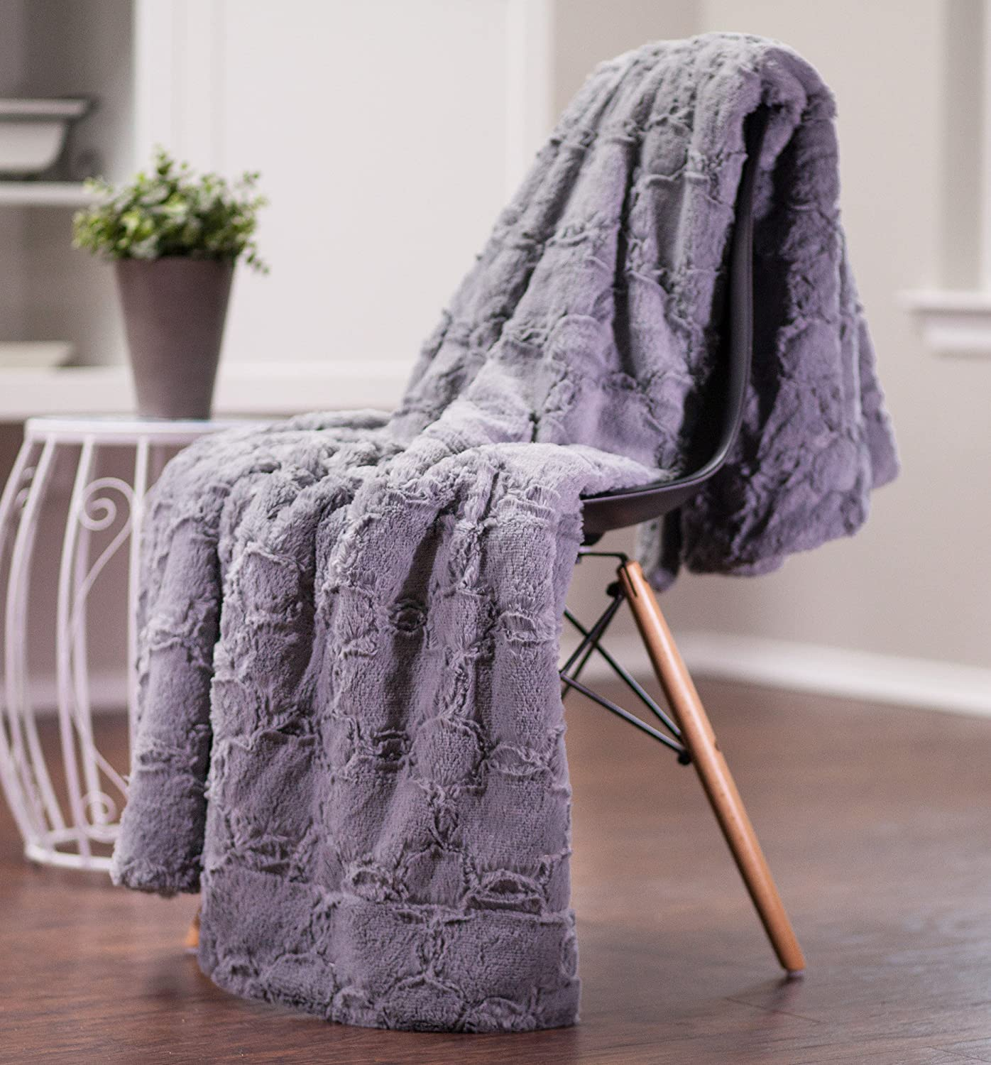 Plush Sherpa Grey Fur Microfiber Throw Blanket