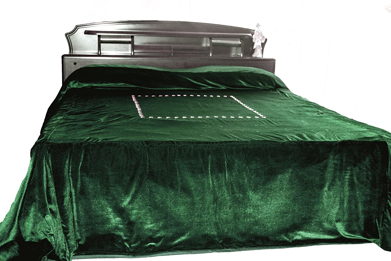 Amazon.com: Amore Beaute Handcrafted Custom Luxury Emrald Green Bed Cover  With Gold Sequin Embroidery   Couture Bedspread In Luxe Velvet   Bedding  King Size ...
