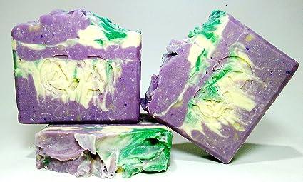 Jabón natural con leche de soja, deal para prevenir el envejecimiento y el acné y