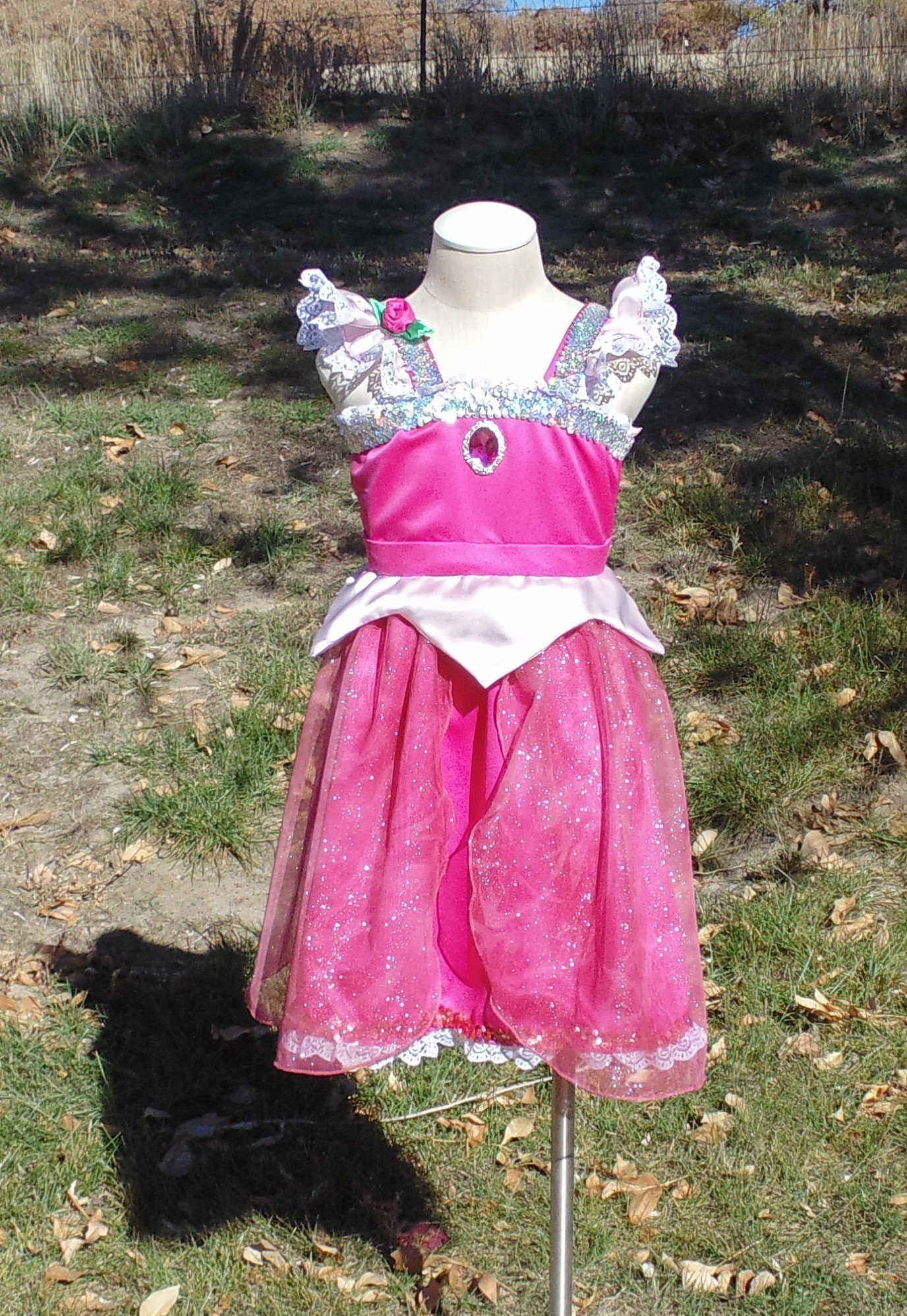 Girls 6-8 Pink Sleeping Beauty dress up apron