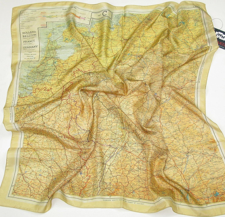 739ab0b20b1 Foulard d évasion en soie - Carte officielle de la guerre 39-45  Amazon.fr   Vêtements et accessoires
