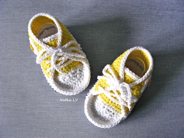 Baby yellow booties, baby crochet