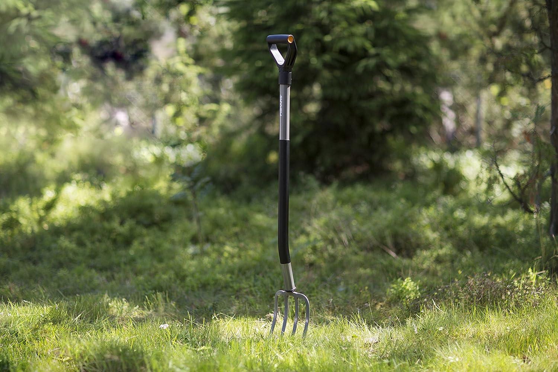 4 dientes Gris//Negro Longitud: 122 cm Fiskars Horca de jard/ín para suelos duros y pedregosos Ergonomic acero al boro de alta calidad 1001413