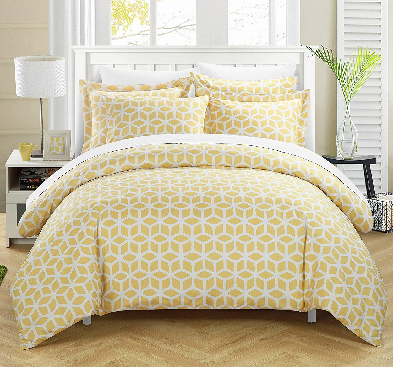 Chic Home 3 Piece Elizabeth Geometric Diamond Printed Reversible Duvet Cover Set, Queen, Yellow