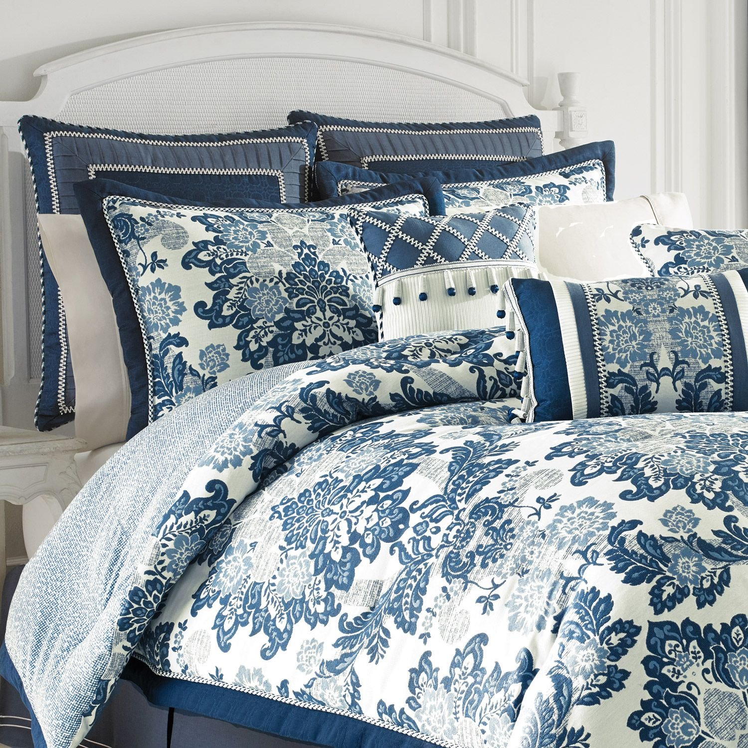 amazoncom croscill diana 4 piece king comforter set blue floral jacquard home u0026 kitchen