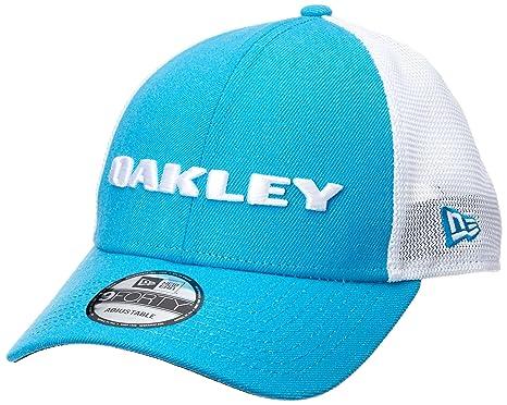 c650c5b61a0 Amazon.com  Oakley Heather New Era Snapback Hat
