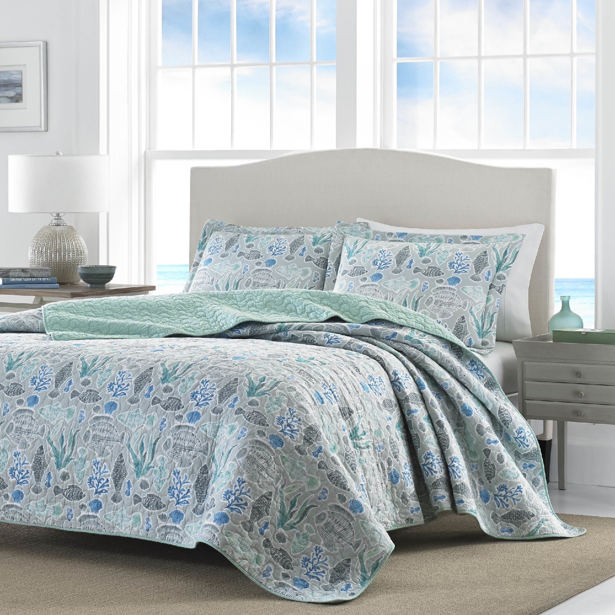 2 Piece Underwater Sea Creatures Design Quilt Set Twin Size, Printed Coastal Coral Reefs Fish Shells Clamps Bedding, Modern Pastel Nautical Animals Patterned, Beach Lovers Artwork Themed, Grey, Blue