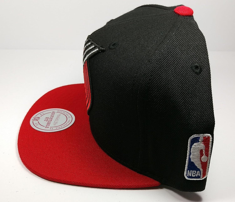Amazon.com   Mitchell   Ness Portland Trail Blazers 2 Tone STA3 XL Logo Snapback  Hat NBA   Sports   Outdoors 0278a5e1c73