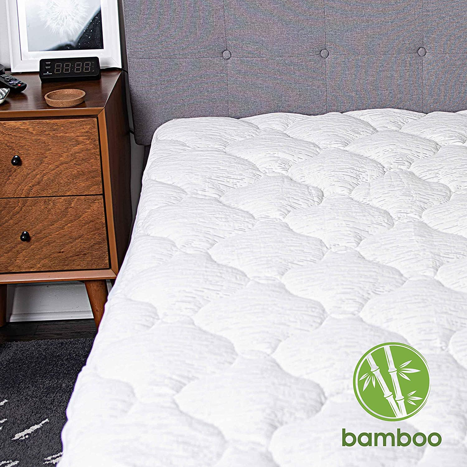 Roore Queen Cooling Bamboo Mattress Pad Cover - Extra Thick Quilted Mattress Topper Pillow Top Matress Cover Over Filled with Hypoallergenic Down Alternative Filling Breathable Mattress Protector