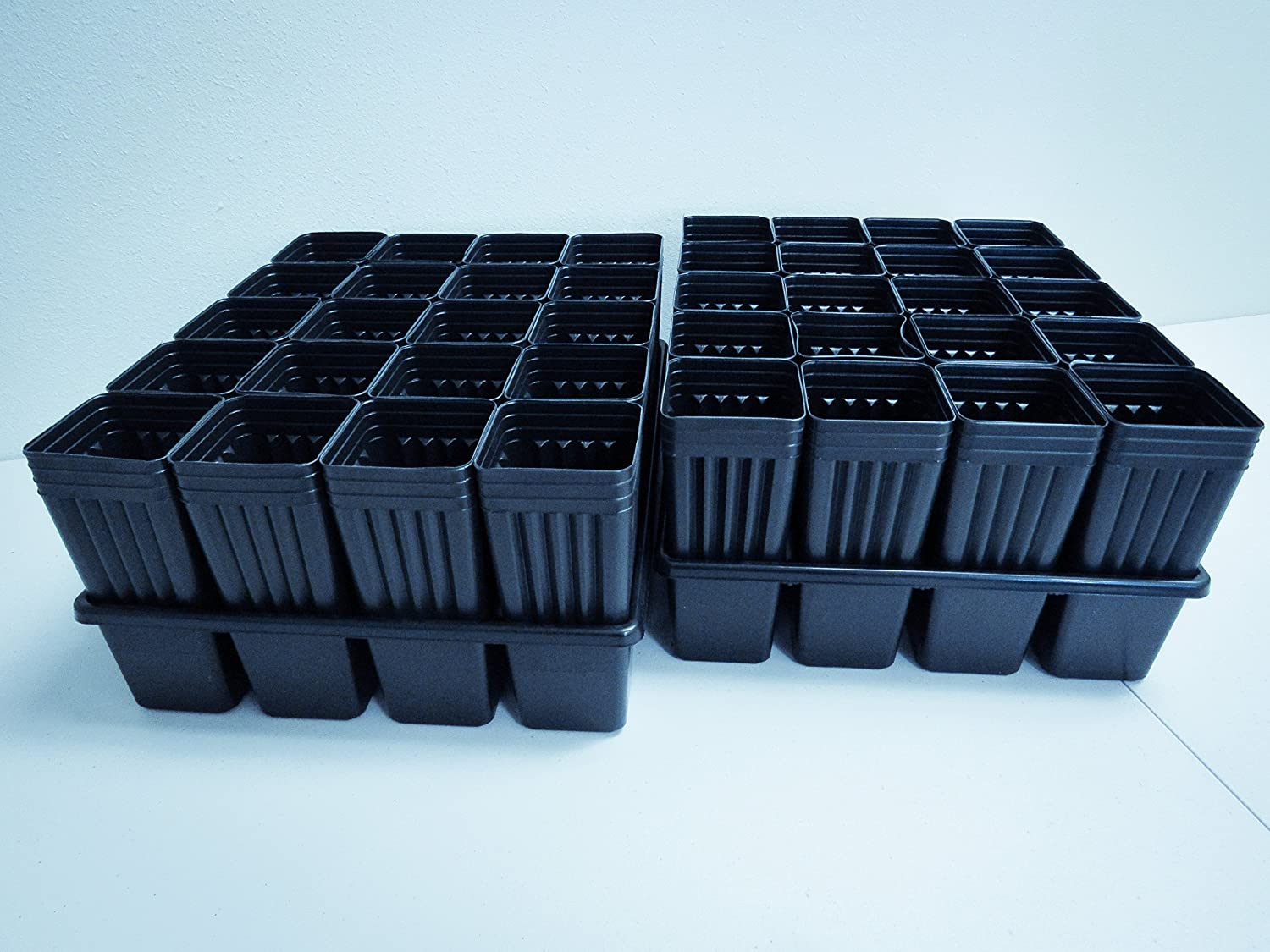 2 Tree Seedling Trays MT38TI with 40 Mini-Treepots MT37