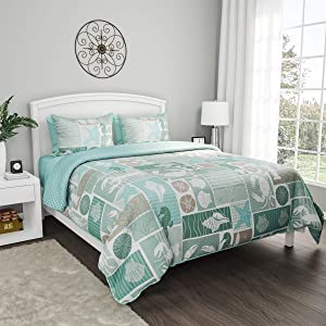 "Bedford Home 3-Piece Quilt and Bedding Set – Harbor Town Veranda"" Hypoallergenic Polyester Microfiber with Shams (Full/Queen)"