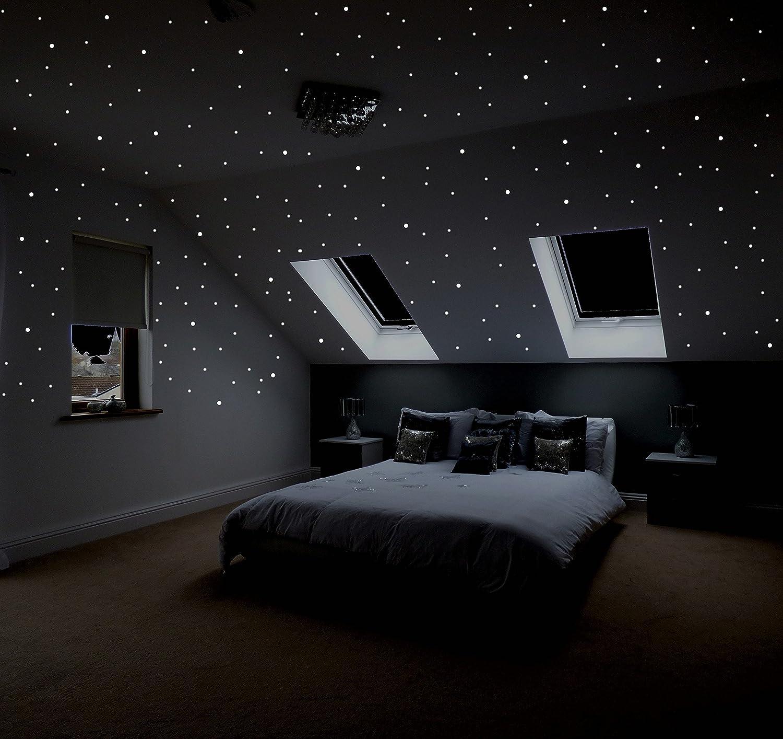 wandtattoo sternenhimmel schlafzimmer kleine schlafzimmer modern creme wandfarbe holzlatten. Black Bedroom Furniture Sets. Home Design Ideas