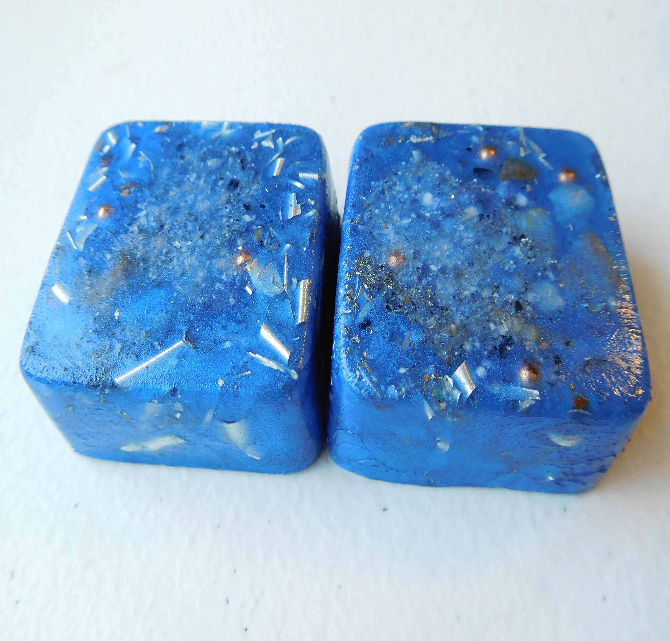 Tru Blue 2 Mini Cube Tower Busters Crystal Orgone Generator Energy Accumulator 528Hz/7.83Hz/Advance Harmonics Many Beautiful Ingredients and Colors!! (Tru Blue)