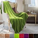 Couverture casa pura® Glory très doux | 2 tailles, 8 coloris | certifié Oeko-Tex, lavable | plaid canapé | matière souple | vert pomme, 220x240cm