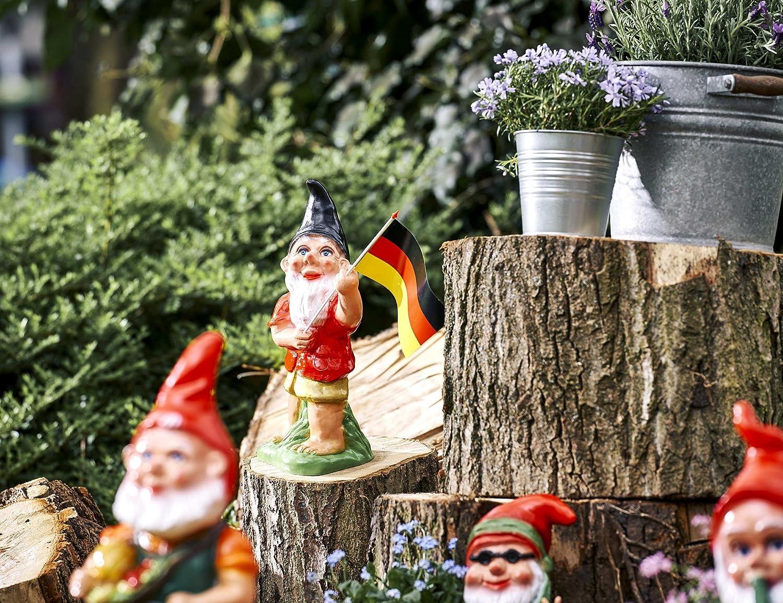 Gartenzwerg stabil und UV-Schutz Gartendeko für Fensterbank und Garten Deutschland Cool Gartenfigur wetterfest aus PVC myGardenlust Zwerg klassisch