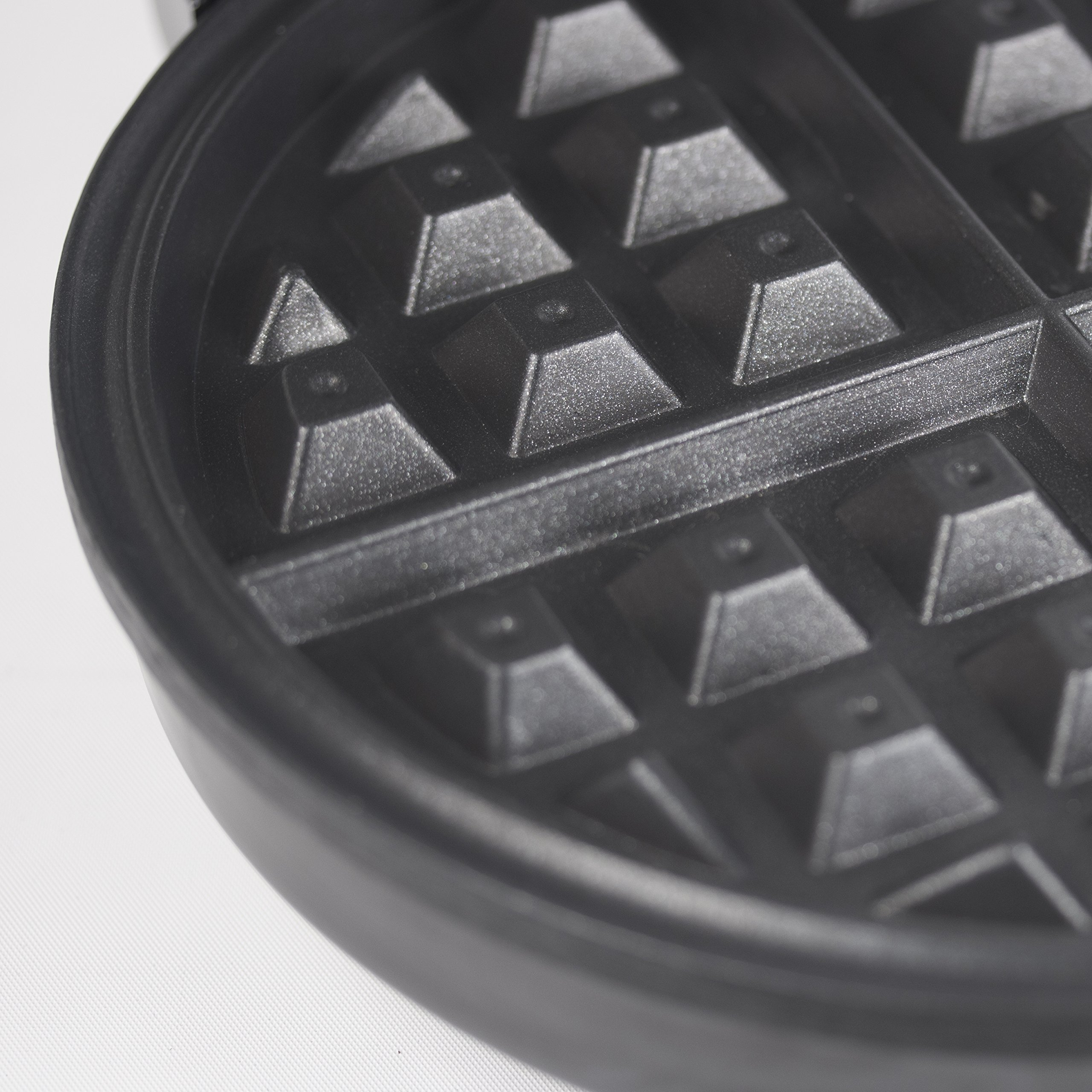 Westinghouse WWM1SSA Select Series Stainless Steel Waffle Maker by Westinghouse (Image #4)