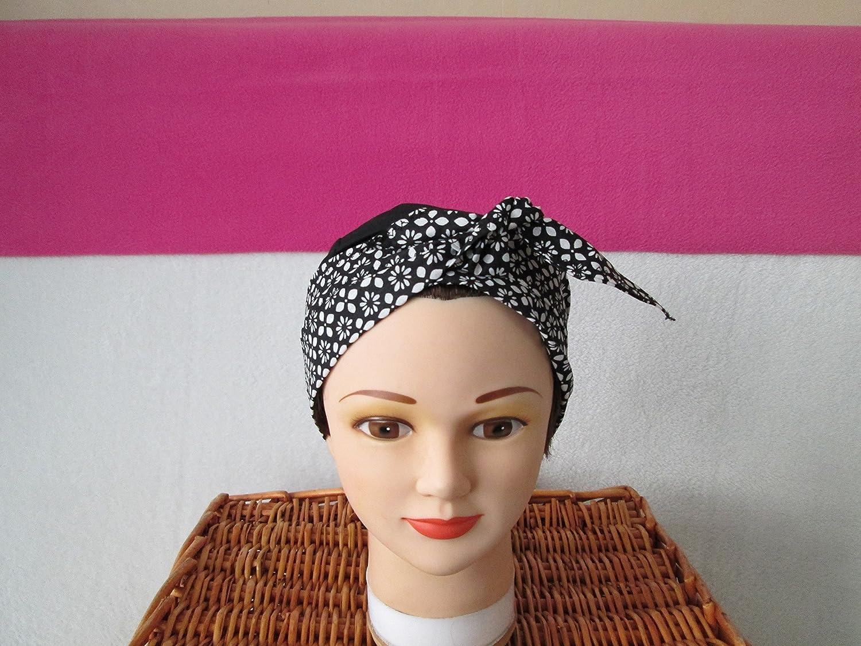 Foulard, turban chimio, bandeau pirate au féminin noir à petites fleurs blanches
