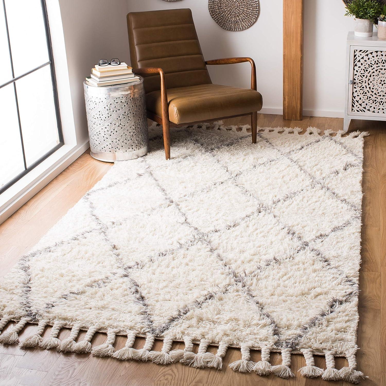 Amazon Com Safavieh Casablanca Shag Collection Csb951f Handmade Moroccan Boho Premium Wool 1 4 Inch Thick Area Rug 4 X 6 Grey Ivory Furniture Decor