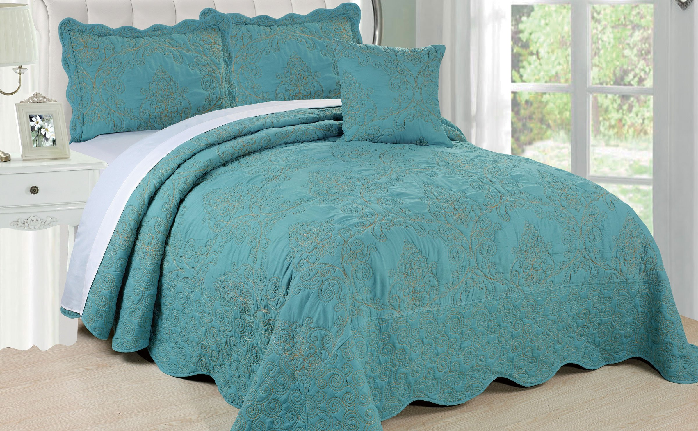 Serenta Damask 4 Piece Bedspread Set, King, Teal by Home Soft Things