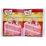 Bundle: Duncan Hines Signature Cake Mix with FREE candles (Strawberry Supreme)