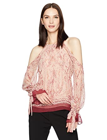 3ee0ee1dd5977 Amazon.com  BCBGMAXAZRIA Women s Sessilee Woven Cold Shoulder Floral  Paisley Top  Clothing