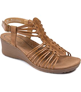 4ab7e16129 Amazon.com   BareTraps Women's Hammond Wedge Sandal   Platforms & Wedges