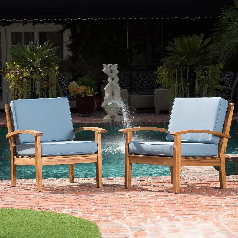 Amazon com preston outdoor wooden club chairs w blue cushions set of 2 garden outdoor