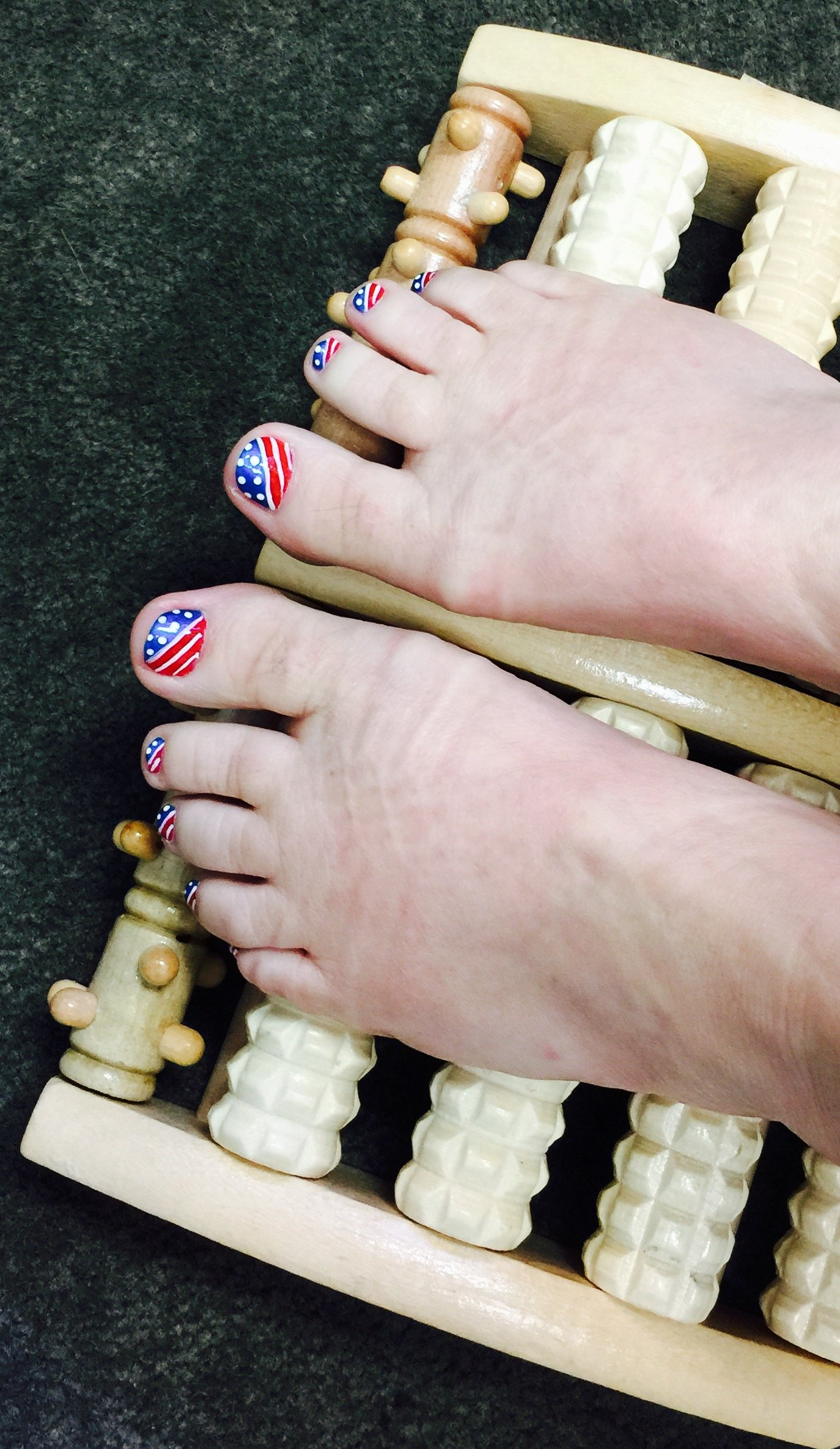 5-Roll Wooden Foot Massage Roller Plus 3 FREE bags of Foot Soak & Bath Herbs samples $10 Value by Shine Wellness Inc (Image #3)