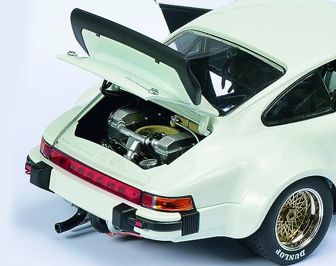 Schuco 450033700 - Porsche 934 RSR Escala 1:18 Coches y el tráfico de Modelo, Blanca: Amazon.es: Juguetes y juegos