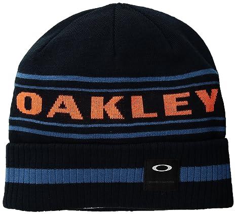c7c7ba2826e Amazon.com  Oakley Men s Rockgarden Cuff Beanie Hats