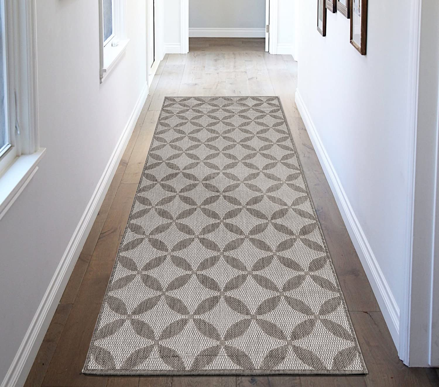 Ottomanson Jardin Collection Contemporary Star Design Indoor/Outdoor Jute Backing Lattice Runner Rug, 2'7 x 7'0, Grey JRD8823-3X7
