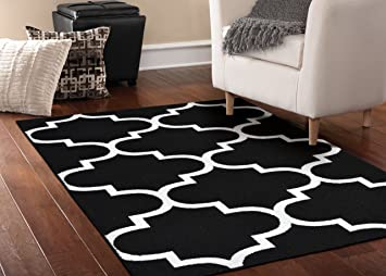 amazon com garland rug quatrefoil area rug 5 by 7 feet black rh amazon com
