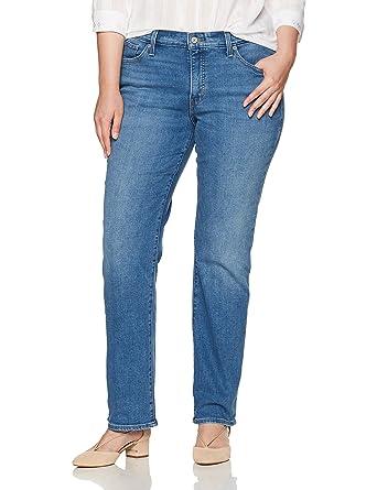 3c5bbcb0dfe2 Levi s Women s Plus-Size 414 Classic Straight Jean at Amazon Women s ...