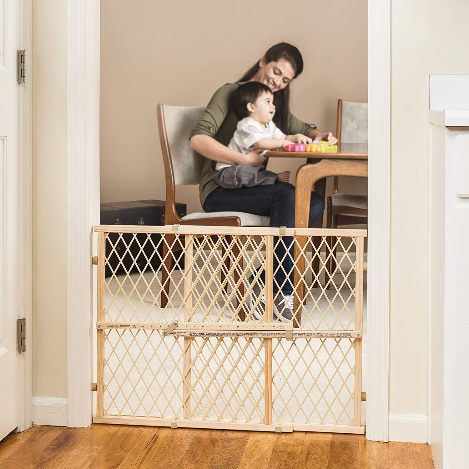 Amazon.com : Evenflo Position And Lock Wood Gate : Indoor Safety Gates :  Baby
