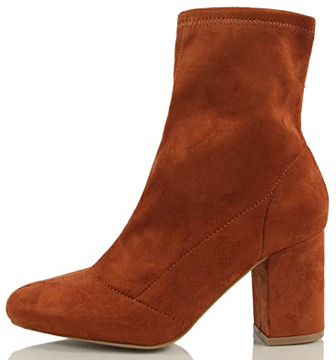 Women's Faux Suede Pull on Chunky Heel Ankle Bootie
