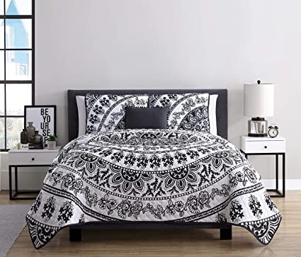 0b59fe487aa3 Image Unavailable. Image not available for. Color  VCNY Home Kaci Medallion 3  Piece Bedding Comforter Set Twin XL Black White