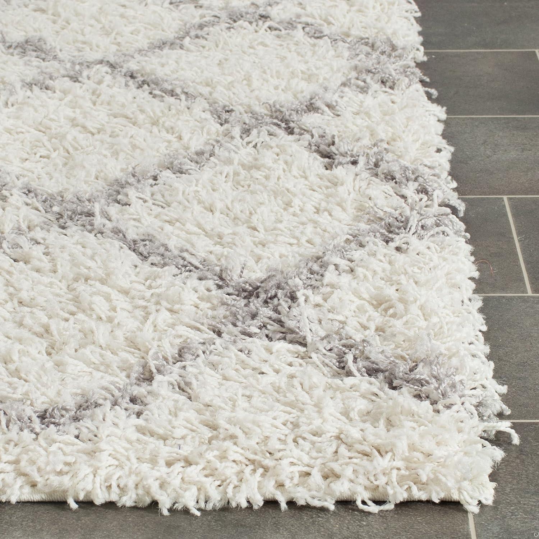 amazoncom safavieh dallas shag collection sgd258f ivory and grey area rug 6 feet by 9 feet 6u0027 x 9u0027 kitchen u0026 dining