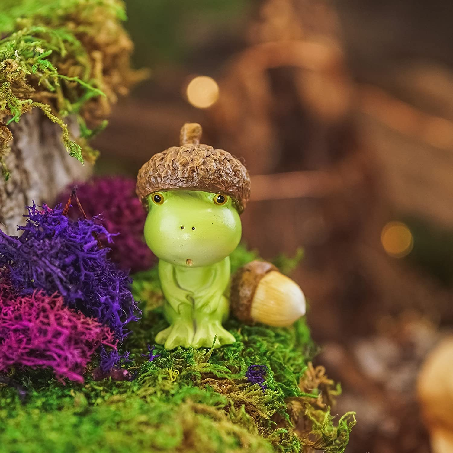 Acorn Head 1.75-Inch Mini Collectible Figurine Top Collection Poko The Frog