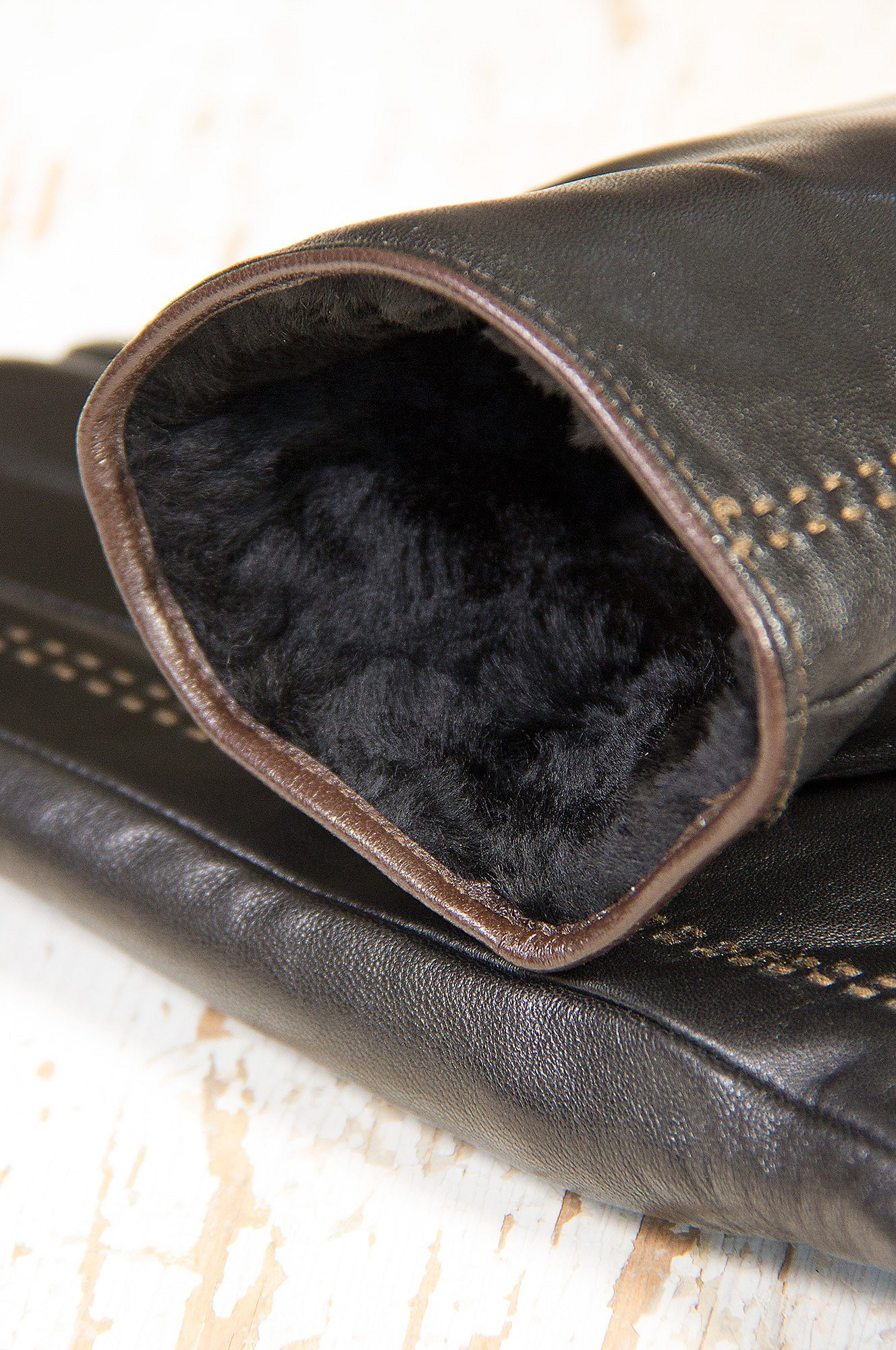 Men's Premium Lambskin Leather Gloves with Shearling Lining by Overland Sheepskin Co (Image #5)