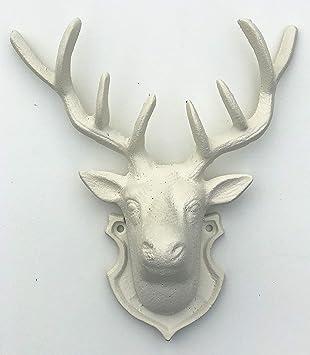Cabeza de ciervo con cuernos de hierro fundido, aspecto ...