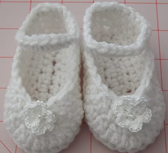 Amazoncom Crocheted Baby Booties Birth To 3 Months White Mary