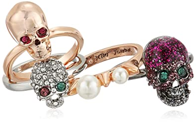 e4dbbf0b507be4 Amazon.com: Betsey Johnson Women's Multi-Tone Skull Stackable Ring ...