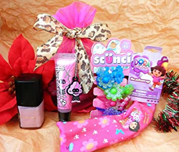 c35fda9b779d6 Amazon.com : Girly-Glam DORA Gift Set (S9) With COTTON CANDY Lip ...