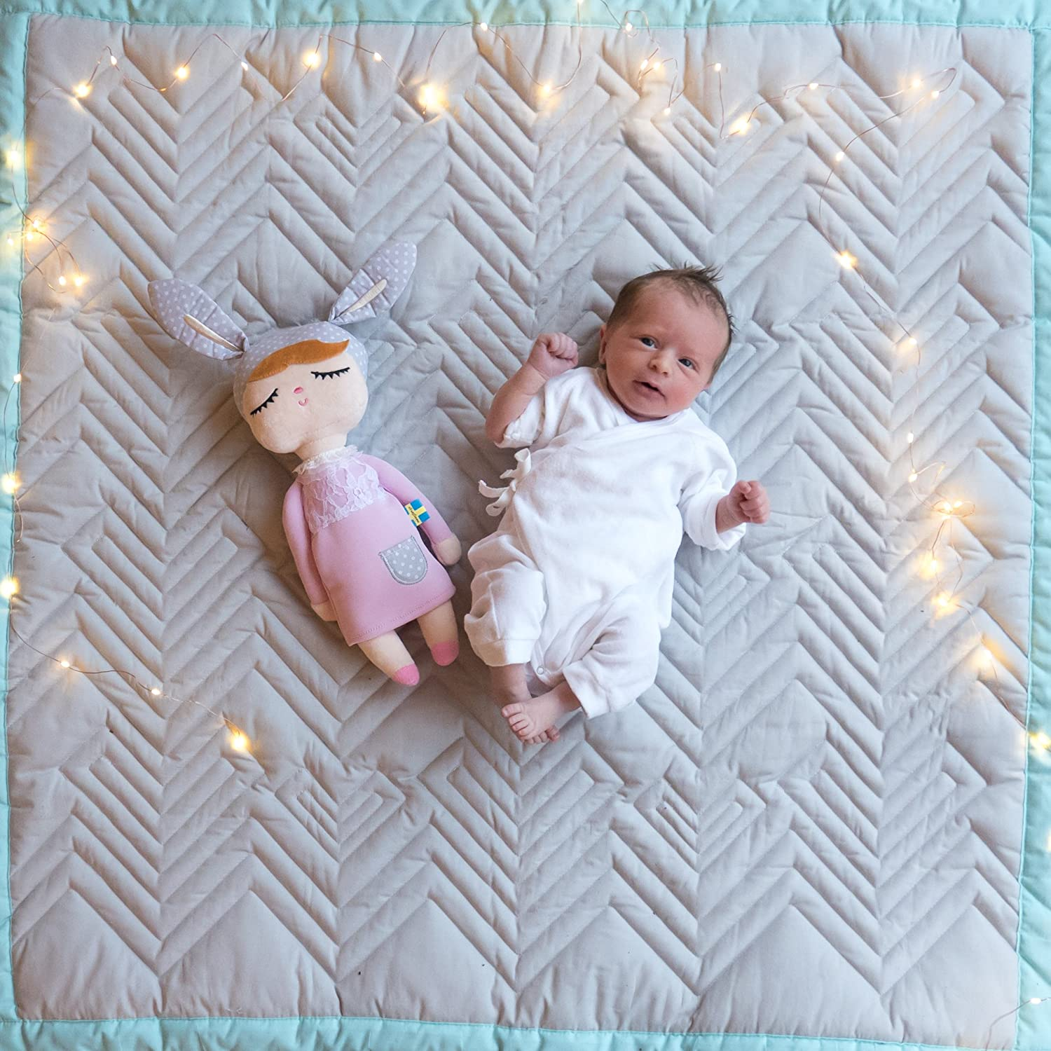 Mama Designs Luxury Quilted Padded Baby Playmat 100/% Cotton 100cm x 100cm in Grey with Turquoise Trim