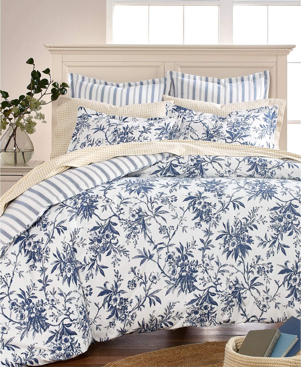 Amazon Com Martha Stewart Collection Cozy Toile Cotton Flannel Full Queen Reversible Duvet Cover Home Kitchen