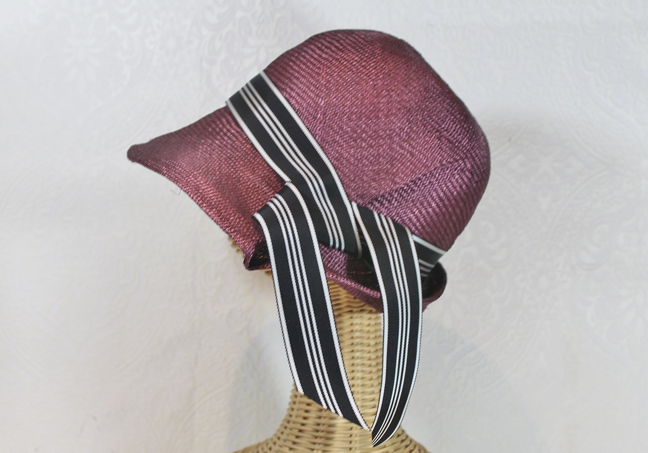 Claudette 20s Style Sculptural Straw Cloche Sunhat in Mulberry