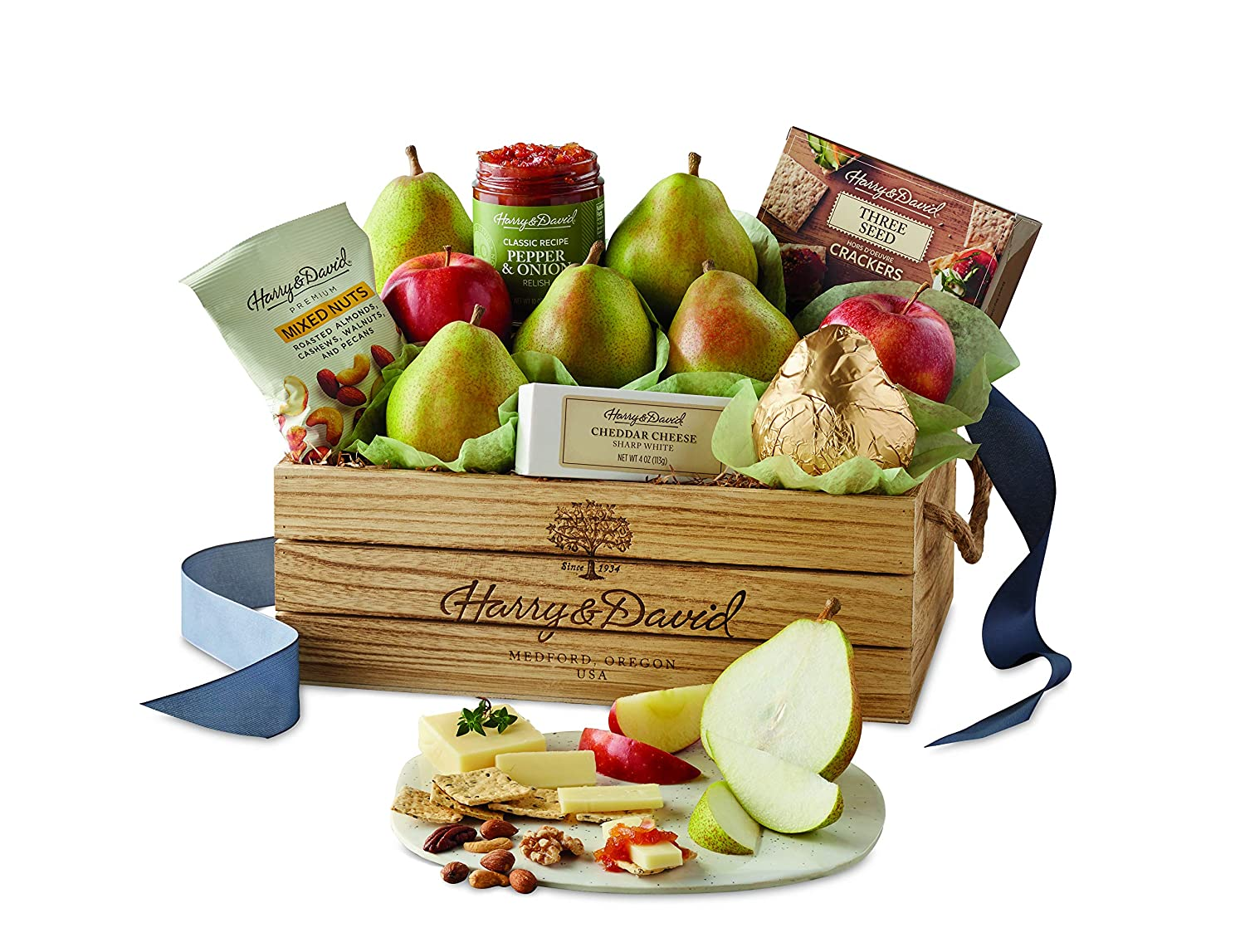 Amazon.com : Harry & David Classic Signature Pear, Nut, and Cheese Gift Basket : Grocery & Gourmet Food