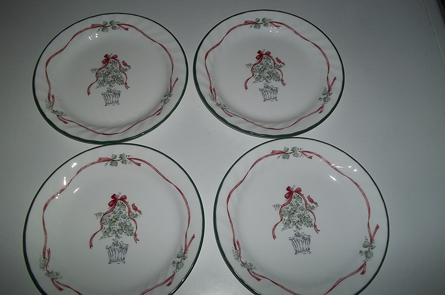 4 Corelle Callaway Hoilday AKA Ivy 7 1/4' Bread and Butter Plate