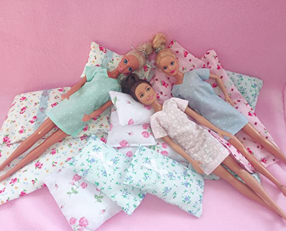 8ef31f5eed Dolls Cozy Robe and Nightie for Barbie and Sindy sized dolls (Handmade)   Amazon.co.uk  Toys   Games