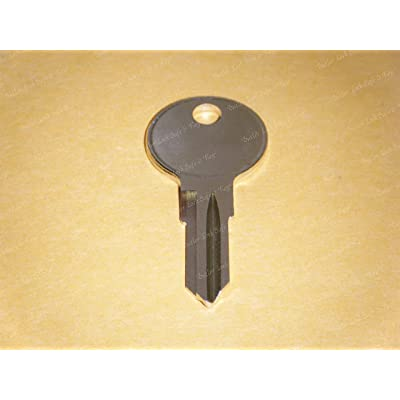 1 Key Blank Fits Harley Davidson Sportster Various Models 1986 1987 1988 1989 1990 1991 1992 1993 1994 1995 Various Models Can be duplicated at hardware store, lock shop, local key cutter. : Garden & Outdoor